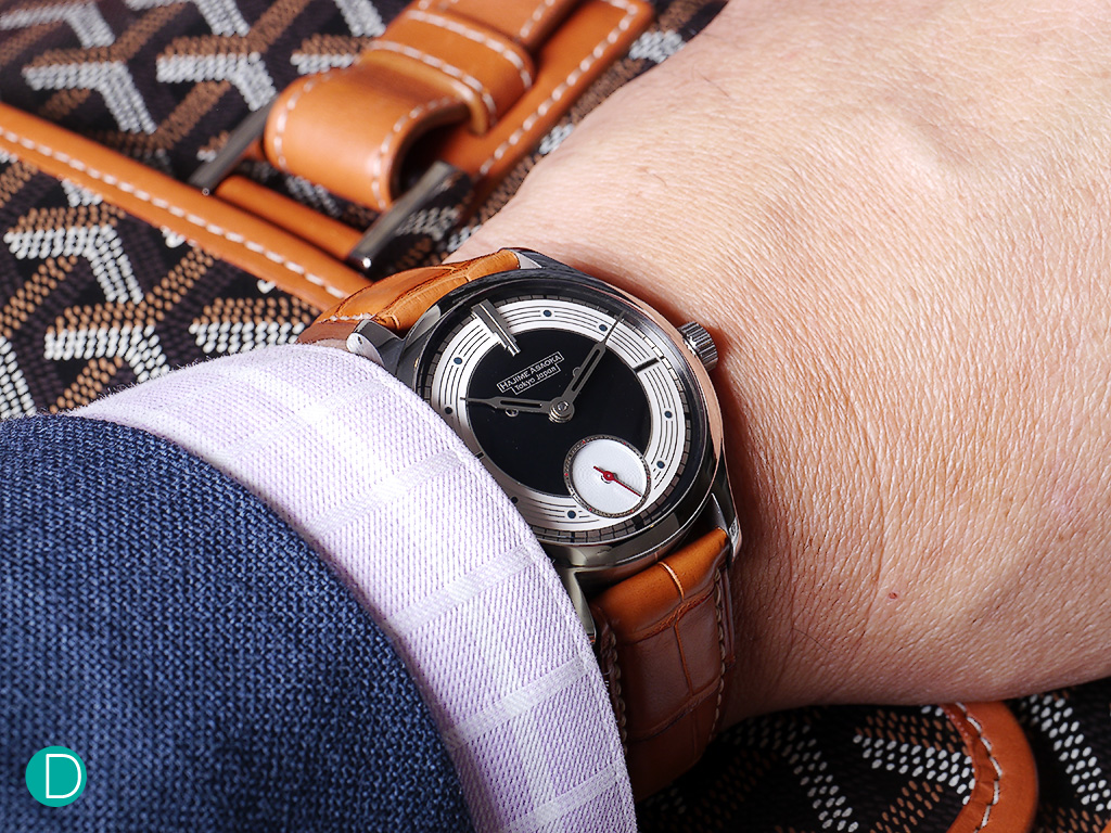 Hajime Asaoka Project Tsunami on the wrist. Very comfortable. Background is another magnificent hand made product - a brief case by Goyard.