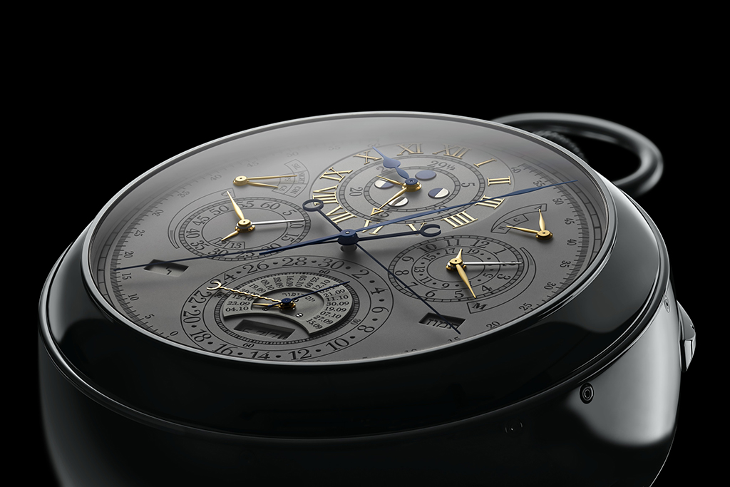 The front dial of the Vacheron Constantin 57260 is an epitome of design legibility. Despite the number of indicators it is showing, it remains legible.