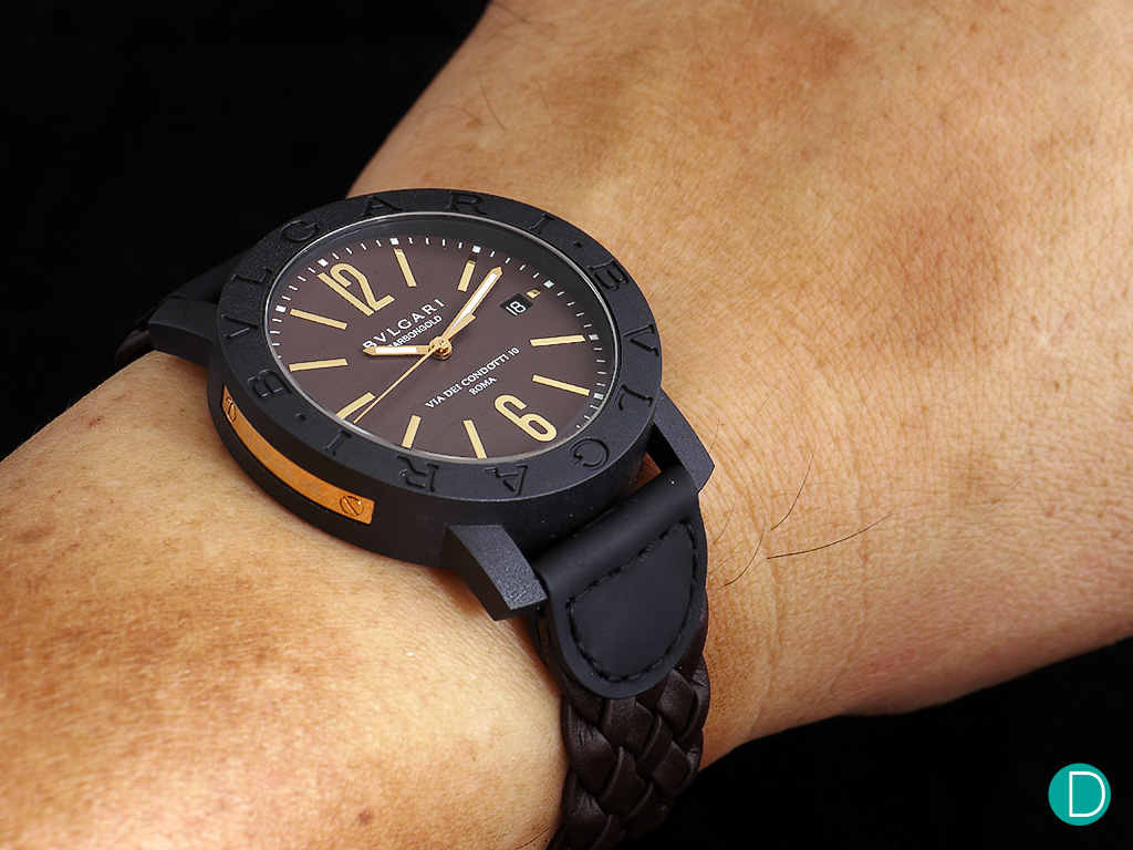 d2bda374790 bulgari-carbon-gold-brown-wrist