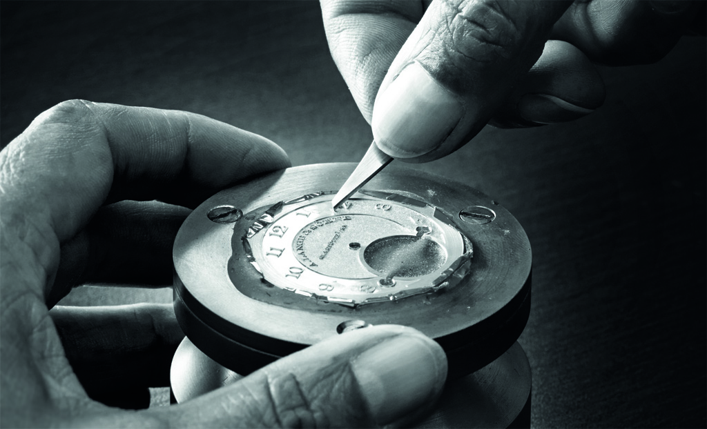 This is what it looks like to have a Lange artisan like Lippsch perform Tremblage engraving.